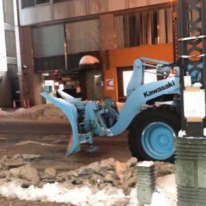 除雪車が大活躍の北海道!雪を道路わきにかきわけていました!お陰で車の運転も安全に出来ました☆