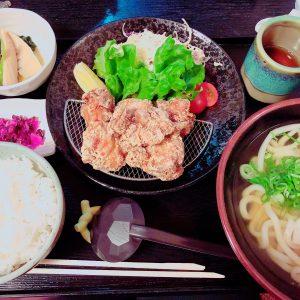 うどん屋さんの唐揚げ定食✨ボリュームあって大満足です😊