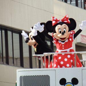高槻まつりにディズニーのパレードが来てくれました!!人、人、人でしたが見れて幸せでした💓