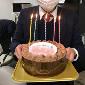 Y営業マンのお誕生日でした🎂✨おめでとうございます!明るく元気なY営業マンで居て下さいね😊🌹